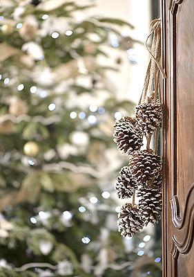 Décoration Noël Pommes de Pin à Suspendre